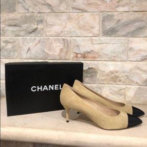 Chanel Beige 16a Black kid suede Cap toe pumps